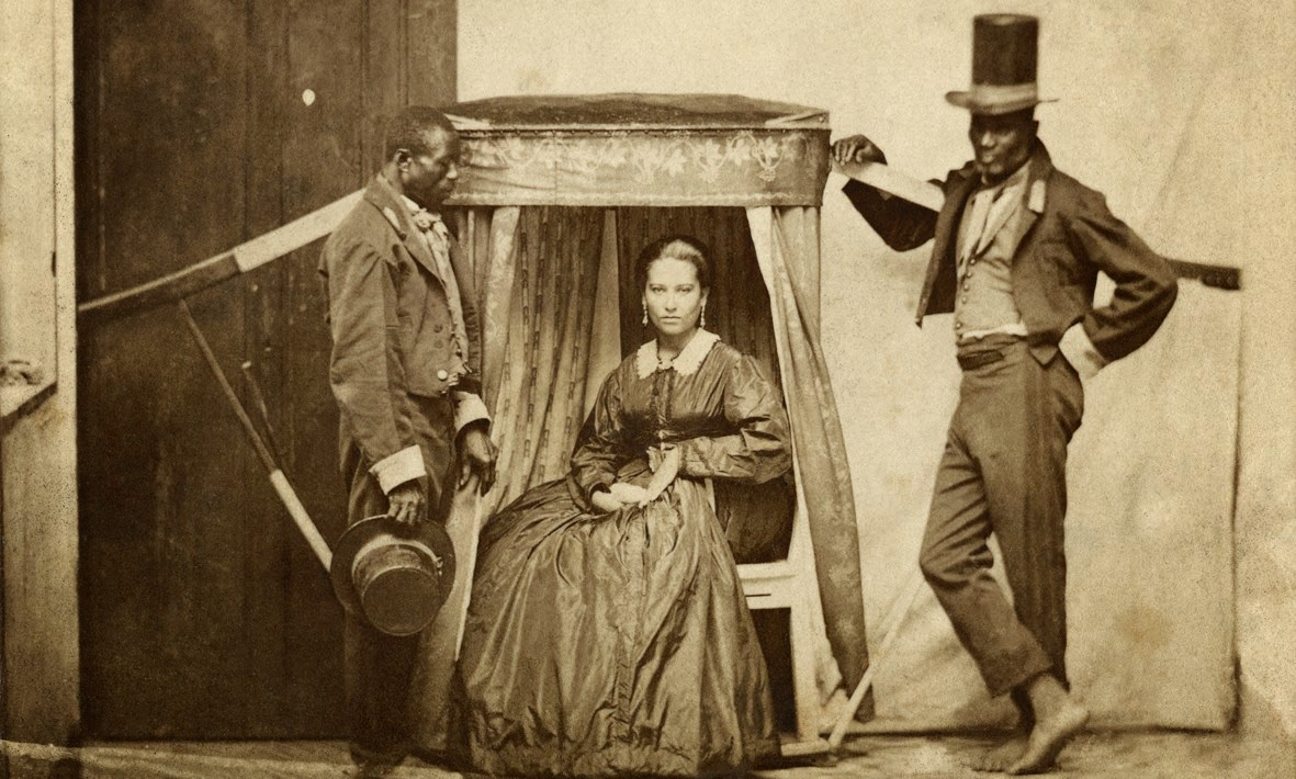 Slaves transport their owner in Bahia - 1860 - Marc Ferrez - Instituto Moreira Salles