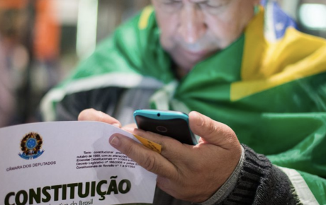 Brazilians appreciate democracy Latinobarómetro stats constitution