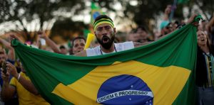 Mapping Brazil's political polarization online