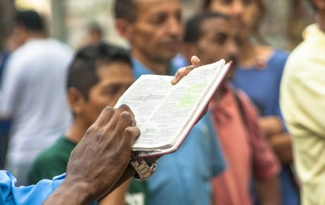 Gospel news: how evangelical websites shape the views of millions of Brazilians