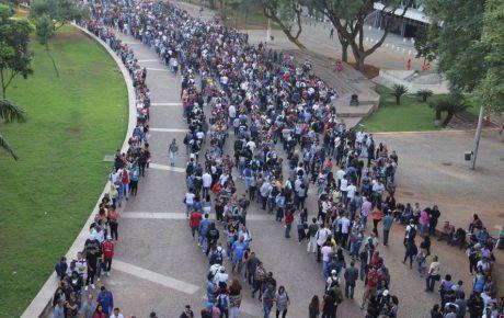 unemployment line sao paulo brazil