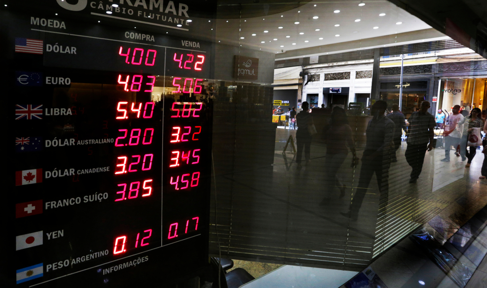Global slump brings Brazilian currency, stock market down