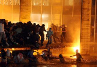 supreme court prepares for violence. protest 2013 brasília