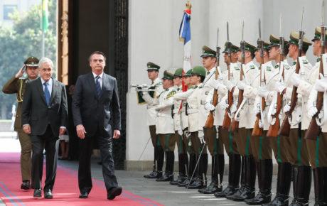 Sebastián Piñera (L) and Jair Bolsonaro