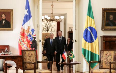 Jair Bolsonaro (L) and Chile President Sebastián Piñera