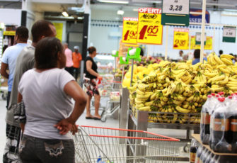 deflation Supermarkets get cheaper as economy sputters