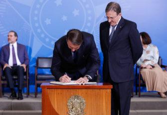 Bolsonaro set to silently review Brazilian entire regulatory system