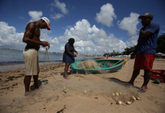 Oil stains in Brazil destroy local fishing industry