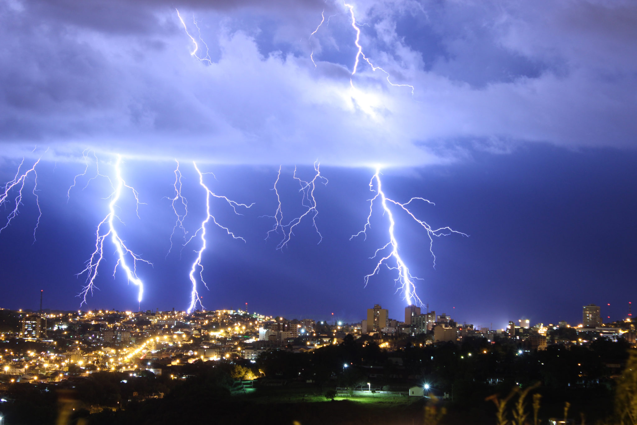 What makes Brazil the lightning capital of the world?