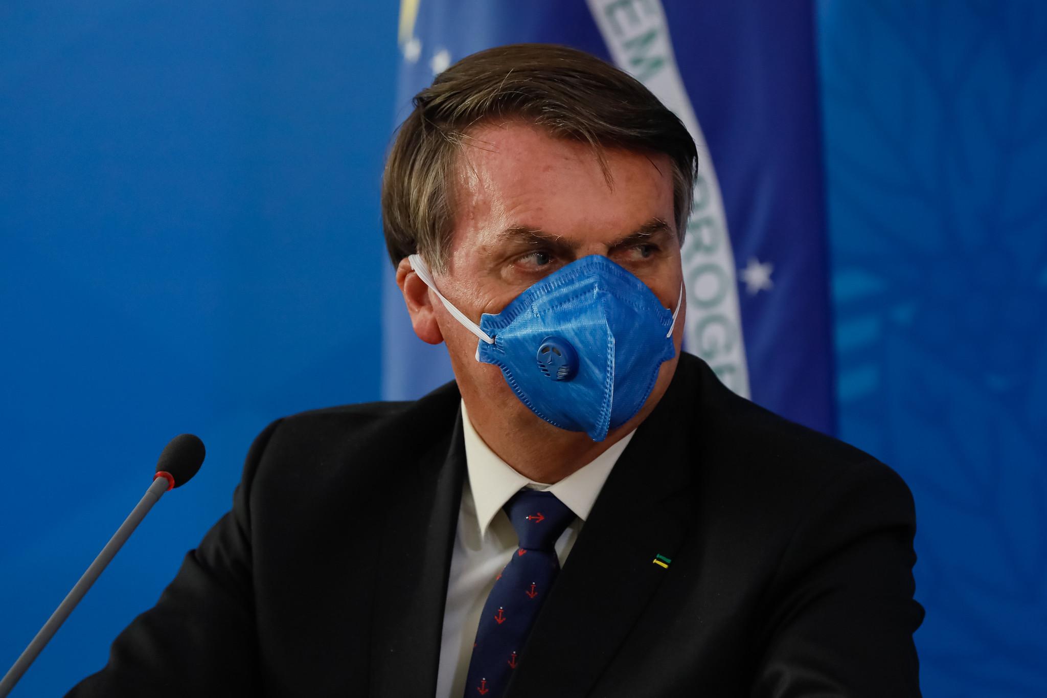 Coronavirus eats away at Bolsonaro's image