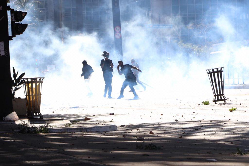 A manifestação pela democracia termina em um confronto. Foto: Pam Santos / FP