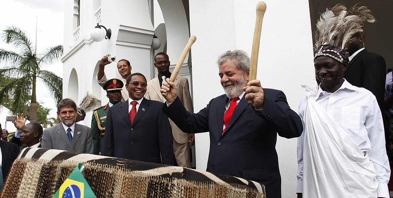 Lula ao lado do presidente tanzaniano Jakaya Mrisho Kikwete em 2010. Foto: Ricardo Stuckert / PR